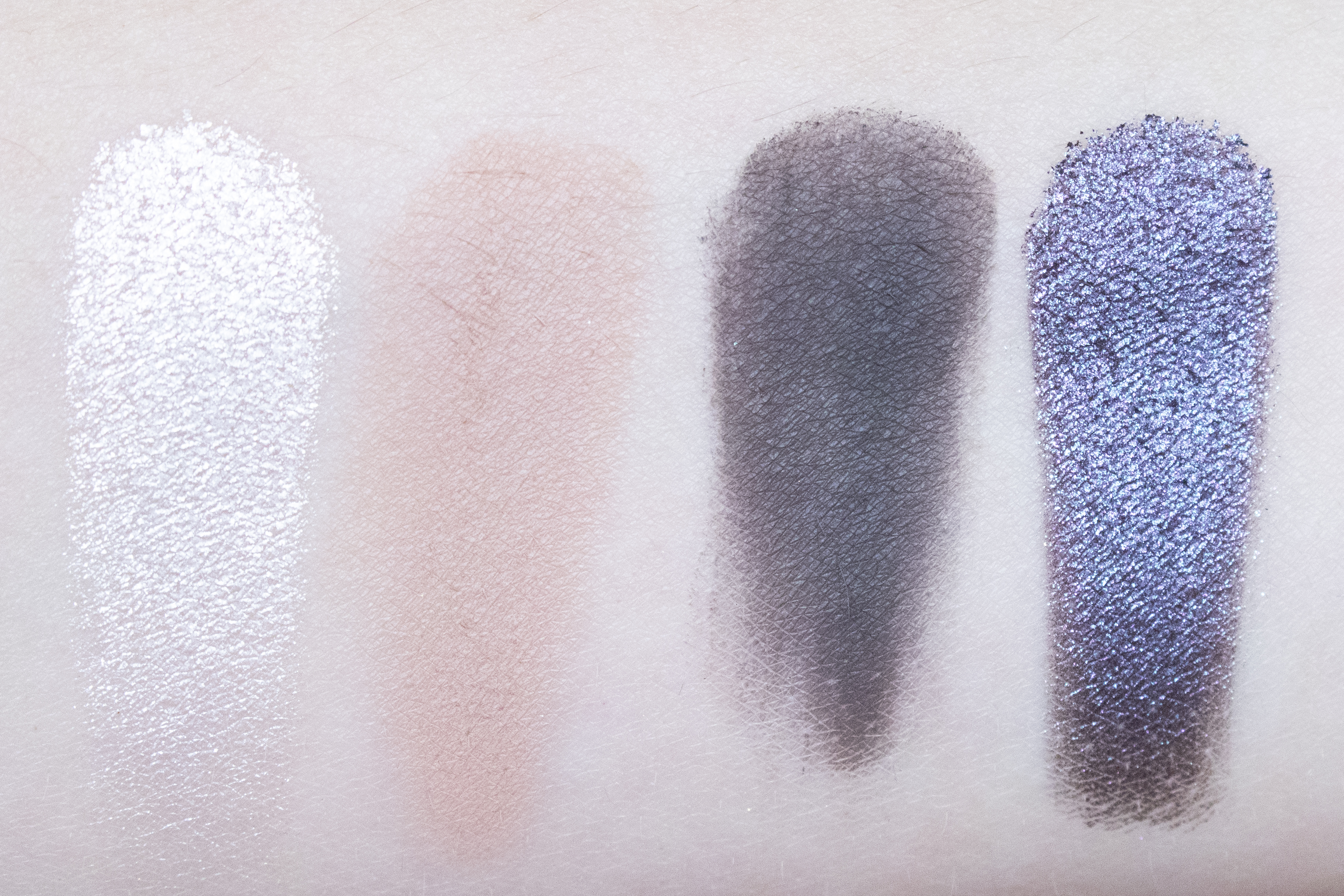 too faced white peach oogschaduw swatches