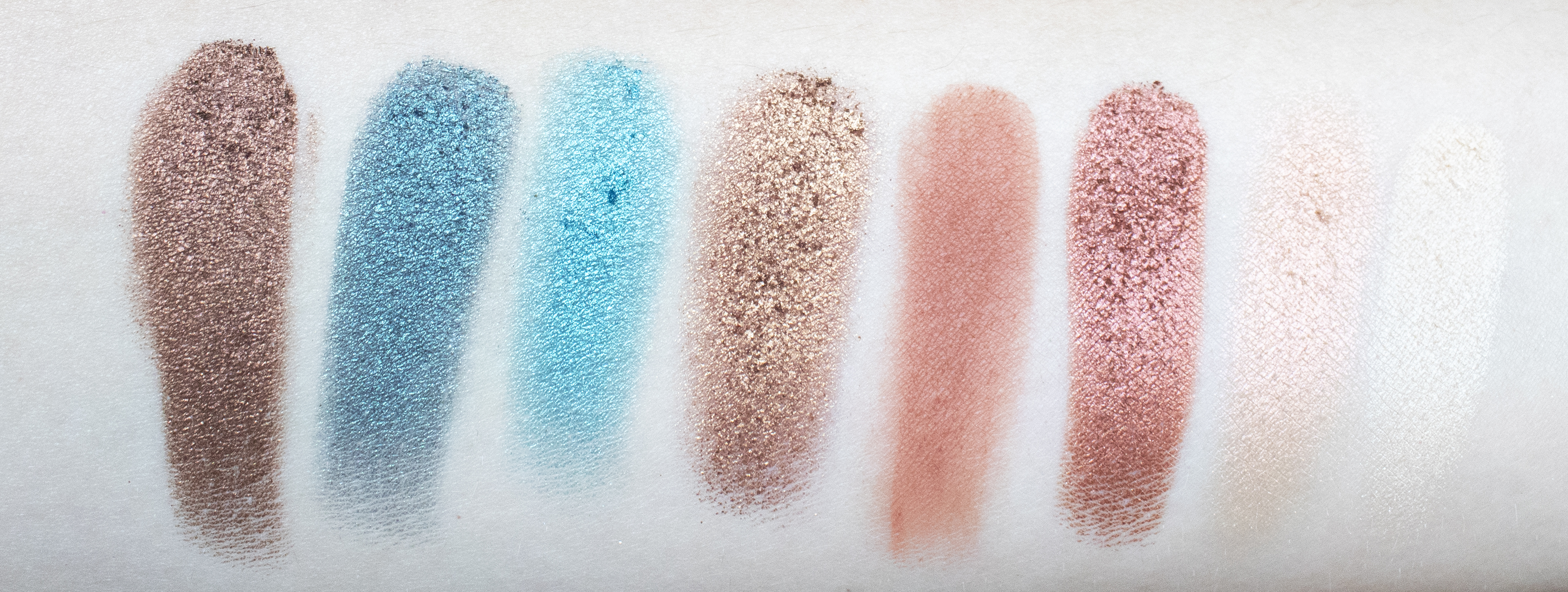 beached eyeshadow palette swatches